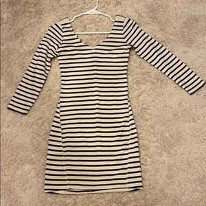Stripped (navy) half sleeve dress